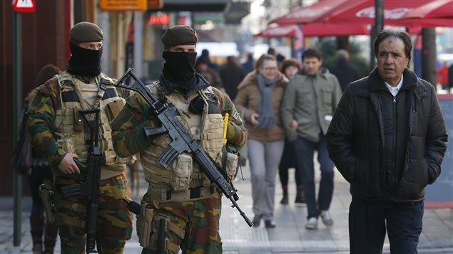 soldats-belges-bruxelles