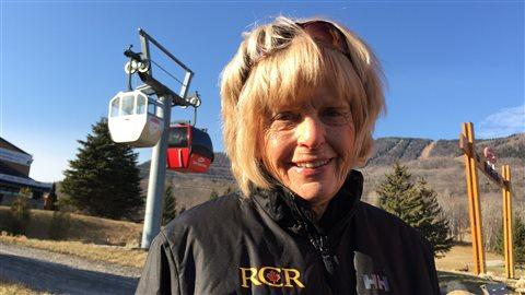Claire Labossière, responsable des remontées mécaniques, au service du Mont-Sainte-Anne depuis 50 ans.
