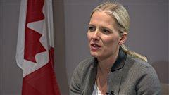 La ministre McKenna défend ses dépenses de 6000$ en photos officielles