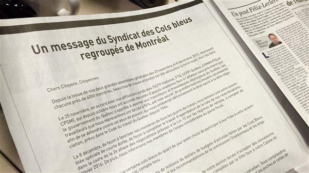 La page de publicité achetée par le Syndicat des cols bleus regroupés de Montréal dans Le Devoir de ce matin