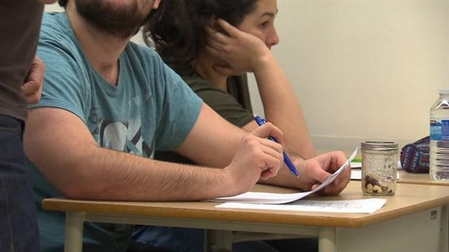 Des étudiants du Cégep de Sherbrooke font leur dernier examen.