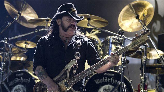 Le leader du groupe britannique Motörhead, Lemmy Kilmister, en concert à Rio au Brésil.