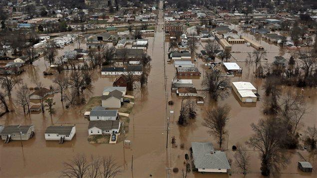 Des maisons submergées dans la ville de Pacific, Missouri, le 29 décembre.