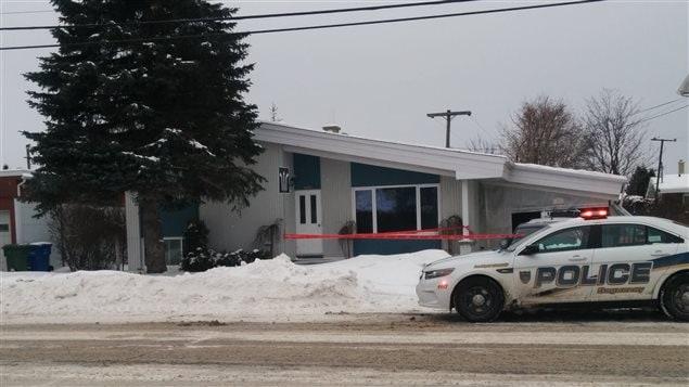 Trois jeunes ont été retrouvés fortement intoxiqués par la drogue dans cette résidence de Jonquière, mardi soir.