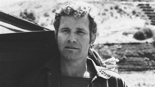 Wayne Rogers dans son rôle de Trapper John McIntyre