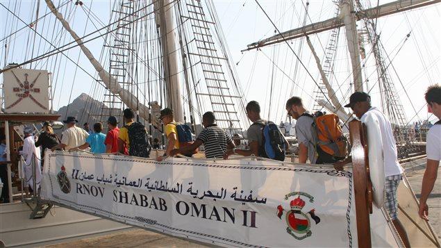De jeunes matelots de 15 différents pays ont pu monter à bord du grand voilier.