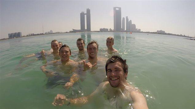 Les matelots ont visité le Koweït, l'Arabie Saoudite, le Royaume de Bahreïn, les Émirats arabes unis et le Qatar.