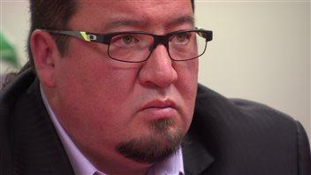 Le grand chef de l'Assemblée des chefs du Manitoba, Derek Nepinak a fait remarqué que les deux maisons de la réserve de Pine Creek ont été perquisitionnées le 15 décembre dernier, le même jour où le rapport final de la commission Vérité et Réconciliation a été remis.