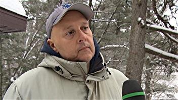 Marc Lafleur est propriétaire d'un terrain voisin de celui convoité pour le projet d'école à Val-des-Monts.