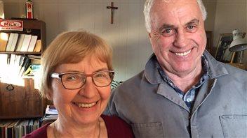 Sylvia et Clément Dion chez eux près de Zenon Park