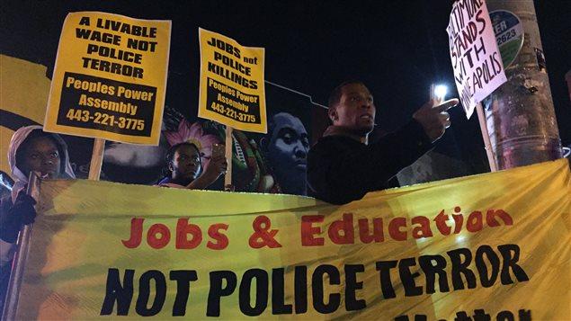 Manifestation dans le quartier Sandtown-Winchester, de Baltimore.