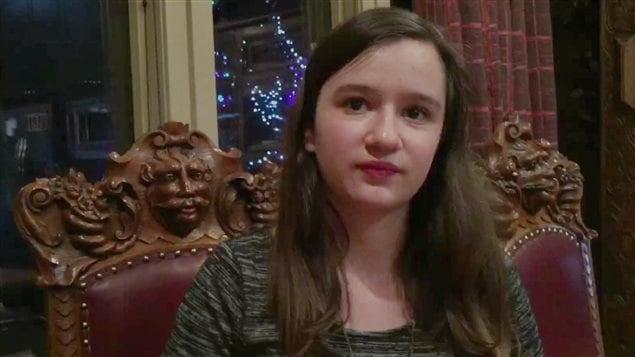 La jeune Maggie Harder dénonce la vente par Amazon d'un T-shirt qui mêle humour, suicide et dépression.