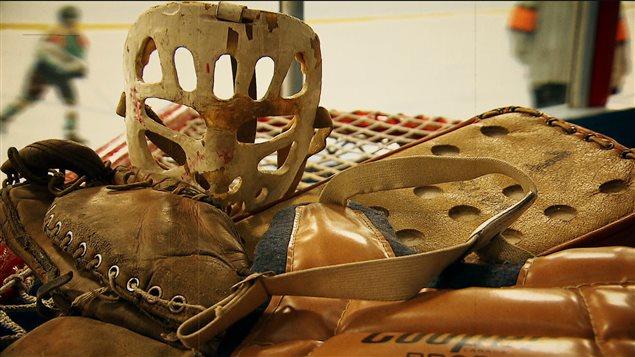 Des équipements de hockey d'époque