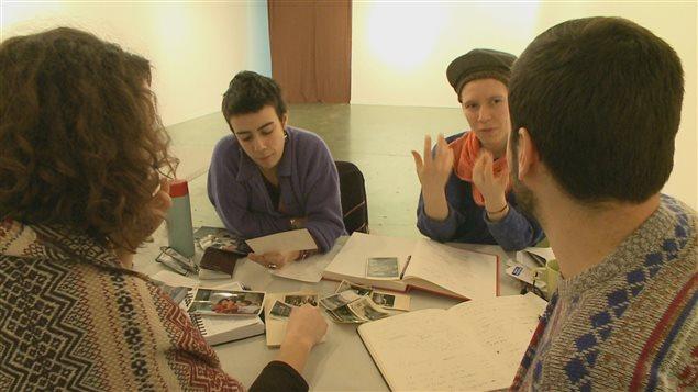 Les artistes au travail pour le deuxième volet du Laboratoire Folklore.