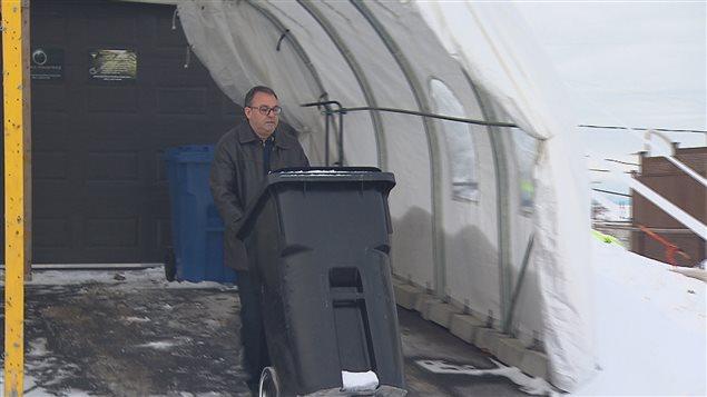 Denis Gilles, l'initiateur de la pétition qui demande à la Ville de Rimouski d'augmenter la fréquence de la collecte des ordures.