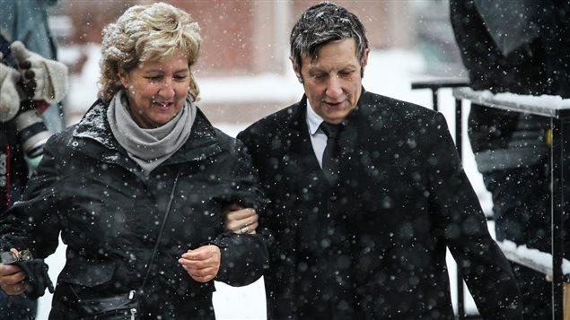 Le metteur en scène Robert Lepage était accompagné par sa soeur et agente, Lynda Beaulieu.