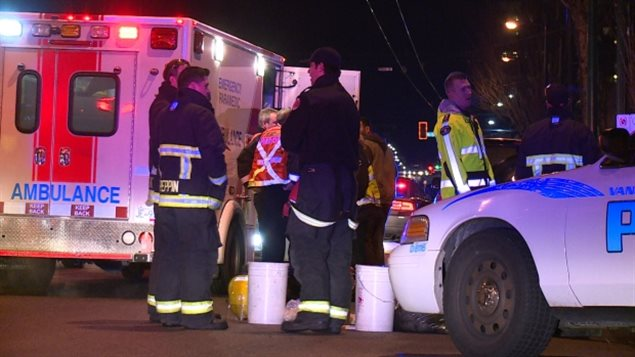Des ambulanciers ont été appelés pour soigner les réfugiés syriens victimes d'une attaque au poivre de Cayenne, le soir du 8 janvier, à Vancouver.