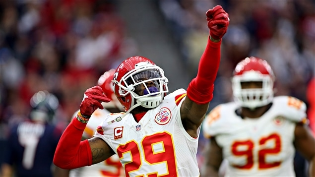 Eric Berry célèbre une interception
