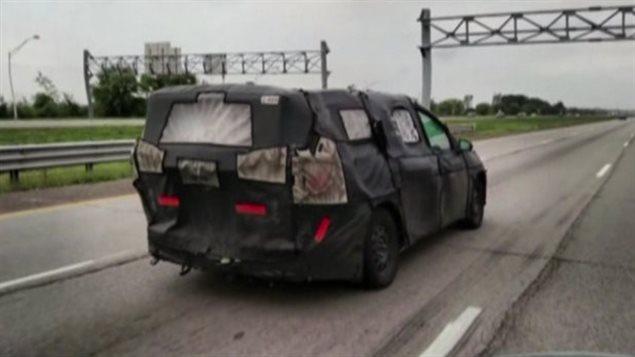 La nouvelle minifourgonnette de Chrysler sera dévoilée lundi.