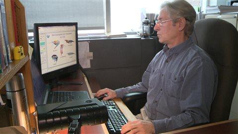 Le chercheur Ian McQuinn de l'Institut Maurice-Lamontagne