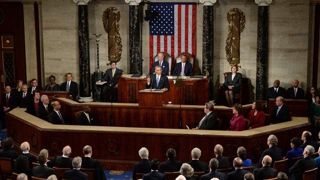 Le président Barack Obama prononce le discours dur l'état de l'union devant le Congrès, le 20 janvier 2015.
