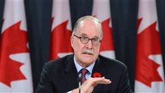 Tests d'immigration plus chers en français: le commissaire aux langues officielles blâme Ottawa