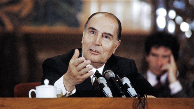Le président français François Mitterrand lors d'un voyage diplomatique en Chine, en 1983