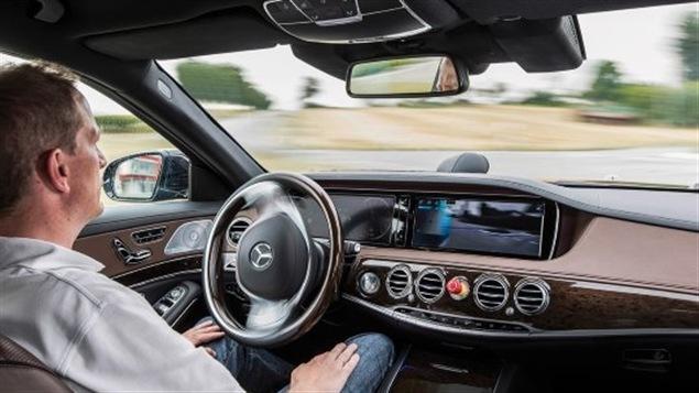 - Notre dollar ne vaut plus que 70 cents américains - Moteurs truqués: Volkswagen doit retourner à la table à dessin, dit la Californie - Tests de voitures autonomes: ce n'est pas encore au point.
