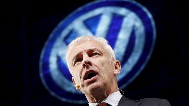 Le président du directoire de Volkswagen, Matthias Müller, s'adresse aux médias lors du Salon de l'auto de Détroit le 10 janvier dernier.