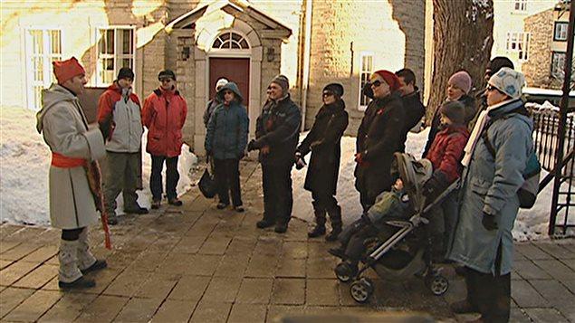 La Ville suspend l'abolition du permis de guide touristique.