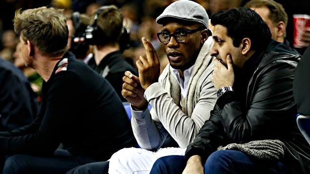 Didier Drogba a assisté au match des Raptors de Toronto à Londres, jeudi