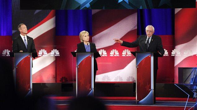 Débat entre les candidats démocrates Martin O'Malley, Hilary Clinton et Bernie Sanders à Charleston, en Caroline du Sud, le 17 janvier.