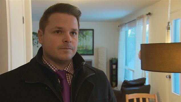 L'agent immobilier, Dave Pouliot