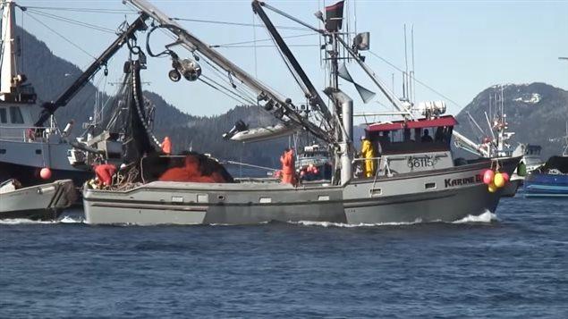 Un bateau de pêche.