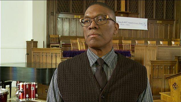 Le révérend Anthony Bailey croit que les actes visaient à intimider la congrégation.