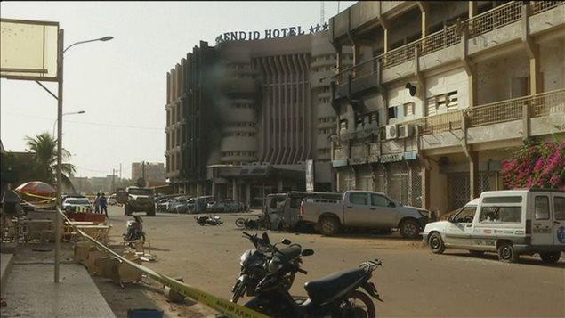L'Hôtel Splendid de Ouagadougou, suite à l'attentat de vendredi dernier.