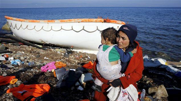 Des migrants sur l'île Grec de Lesbos (19 noembre 2015)