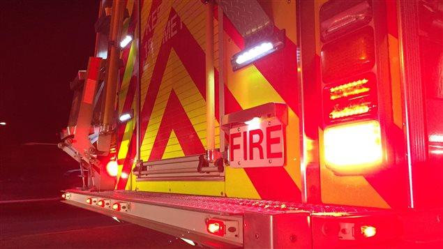 Un camion de pompier devant 374 rue Markwell vendredi matin