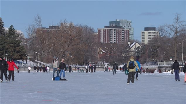 le canal rideau est maintenant ouvert aux patineurs ici radio. Black Bedroom Furniture Sets. Home Design Ideas