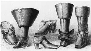 Une sélection de chaussures du 16e, 17e et 18e siècle.