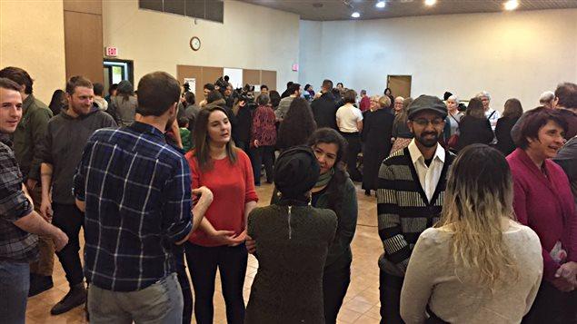 Les participants ont participé une soirée à l'église Broadway Disciples United.