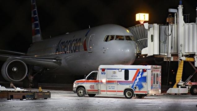 L'avion d'American Airlines a atterri à Saint-Jean de Terre-Neuve vers 21h45.