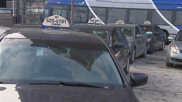 Les chauffeurs de taxis de Québec veulent exercer des moyens de pression d'ici la fin de semaine.