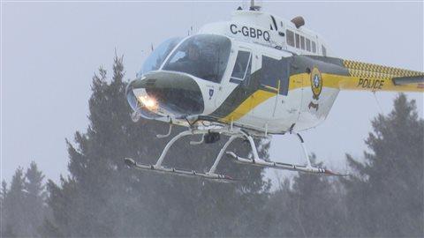 Hélicoptère de la Sûreté du Québec aide à trouver Jean-Claude Legresley.