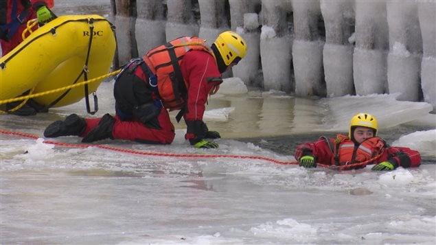 Opération de recherche sous l'eau