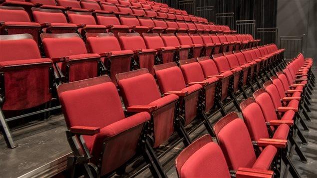 Le théâtre présente jusqu'au 30 janvier la pièce #Un pigeon affamé.