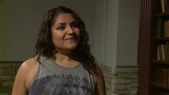 Vanessa De Souza, une participante à une séance de yoga enragé