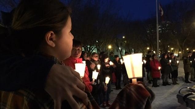 Une levée aux chandelles a eu lieu à Saskatoon mercredi à la mémoire des victimes de la fusillade à La Loche.