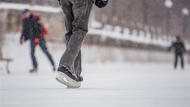 la patinoire du canal rideau rouverte aux patineurs ici radio. Black Bedroom Furniture Sets. Home Design Ideas