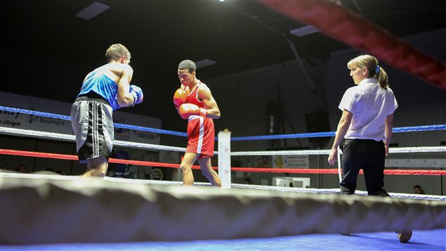 Un combat du Défi des champions, au Club de boxe olympique de Jonquière